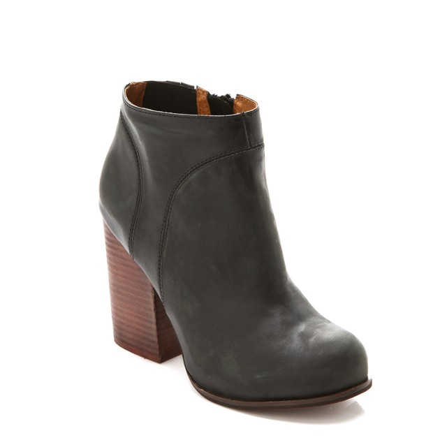 Hanger-Leather-Booties-Jeffrey-Campbell-Boots_L0pQbXpWM0wtd19KYjgyZlVVZ0hZeWFMUzE0Yz0vMjc1eDE2OToxODIxeDE3MTUvLTY0MHgwL2ZpbHRlcnM6ZXh0ZW5kKCk6d2F0ZXJtYXJrKDIwY2U5ODc5LTYxOTctNDI4Ni1iYmY4LTE3MTg1M2JkM2RlZSwzOTAsNzgyLDEwKS8yMDI4YTg4MC0zNmI3L.jpeg